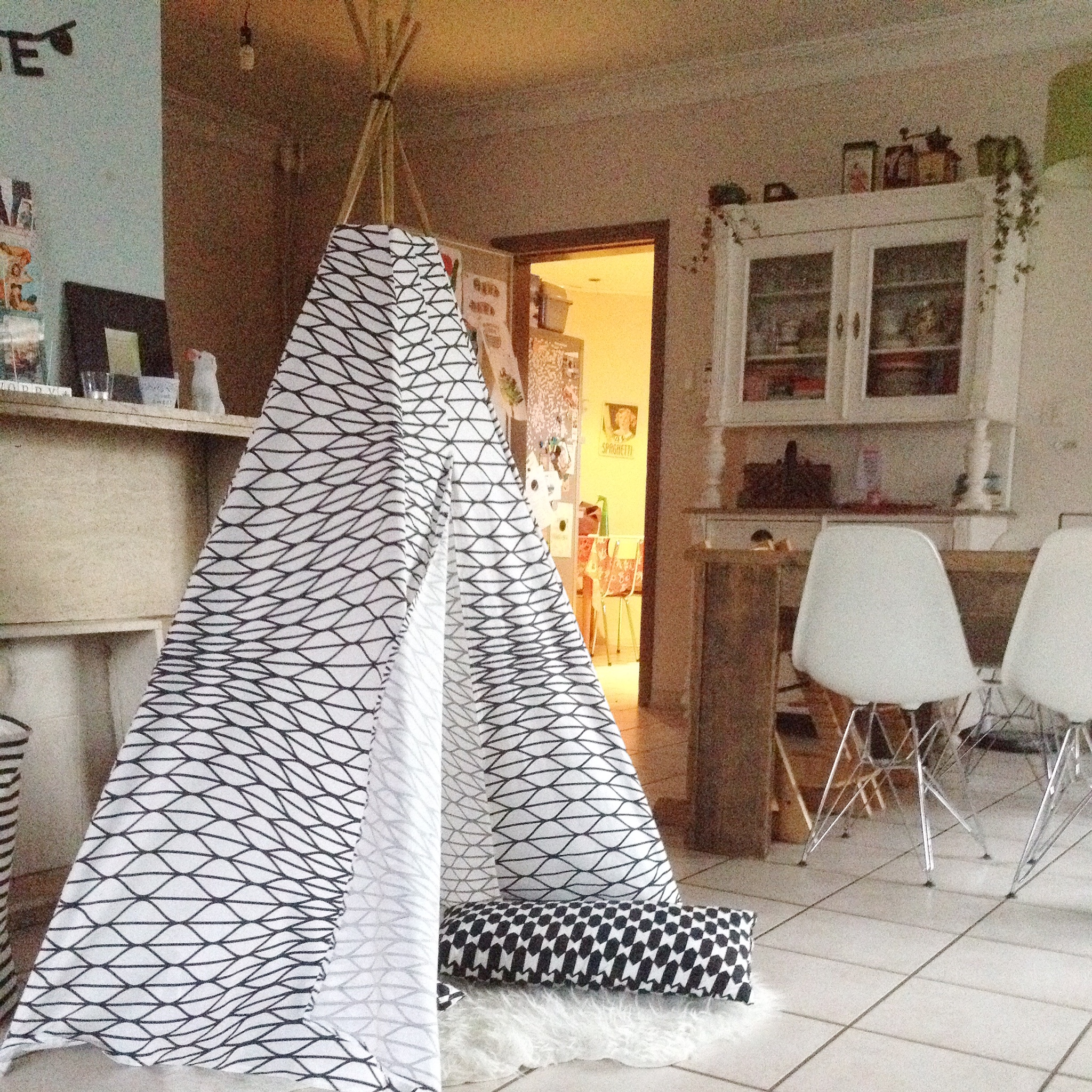 diy tipi zelf maken. Black Bedroom Furniture Sets. Home Design Ideas
